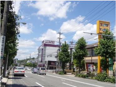地下鉄桜通線「相生山」駅下車。西へ200m向かう